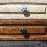 Décaper un meuble vernis sans produit chimique